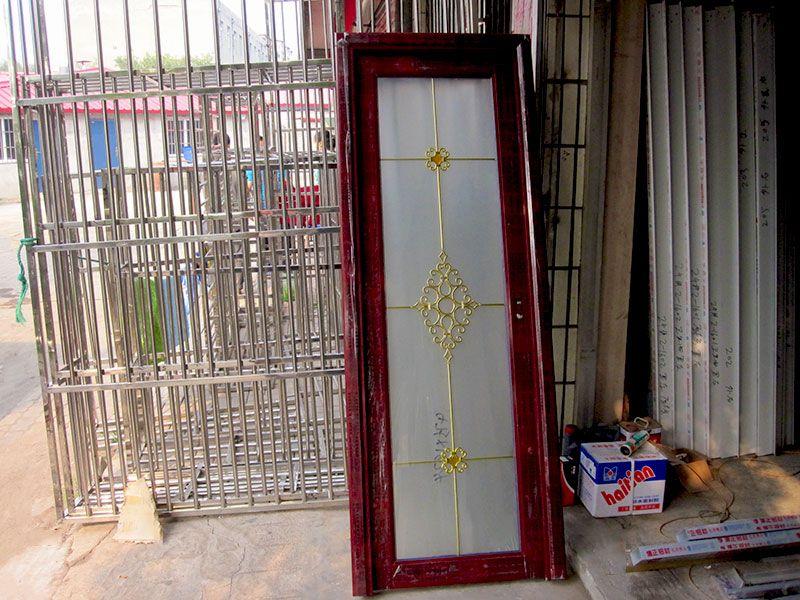 定做好的钛镁合金玻璃门.jpg