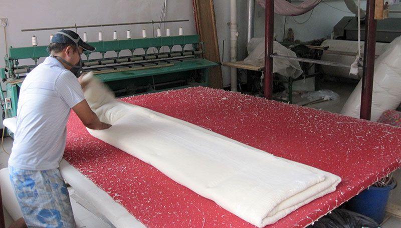 雷竞技app下载苹果千层大型被褥加工部压棉机工程过程实拍8.jpg