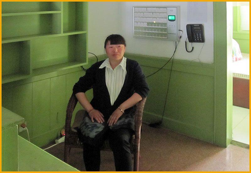雷竞技app下载苹果鹤之元老年公寓-服务员值班室-配有床位呼叫系统.jpg