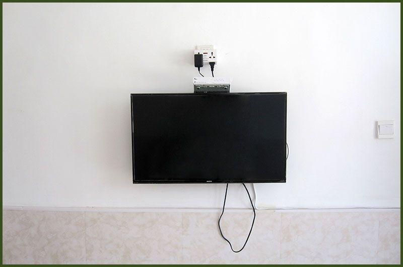 雷竞技app下载苹果市瑞兰老年公寓住宿室内都配有电视.jpg