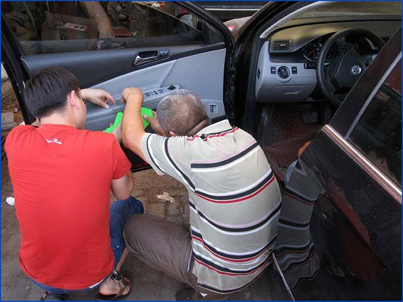 乐虎国际电子游戏市宏利高级汽车维修中心-汽车玻璃升降器修理.jpg