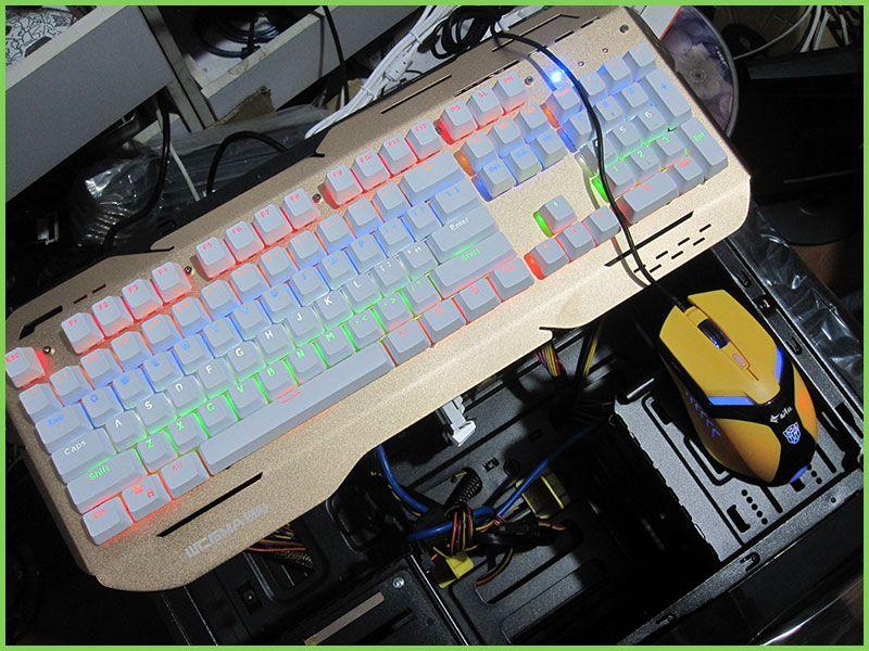 机械键盘-游戏鼠标特写-乐虎国际电子游戏聚天电脑.jpg