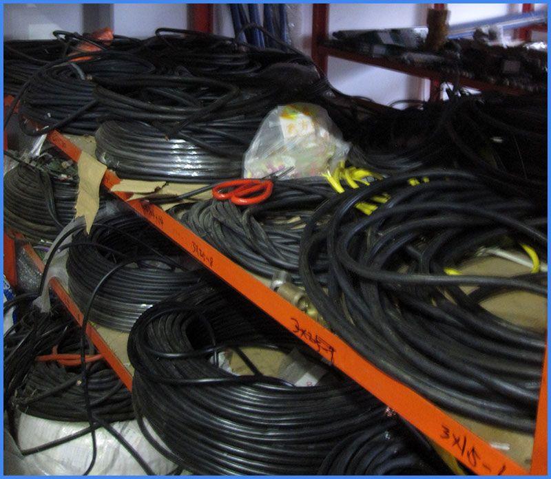 各种电缆.jpg