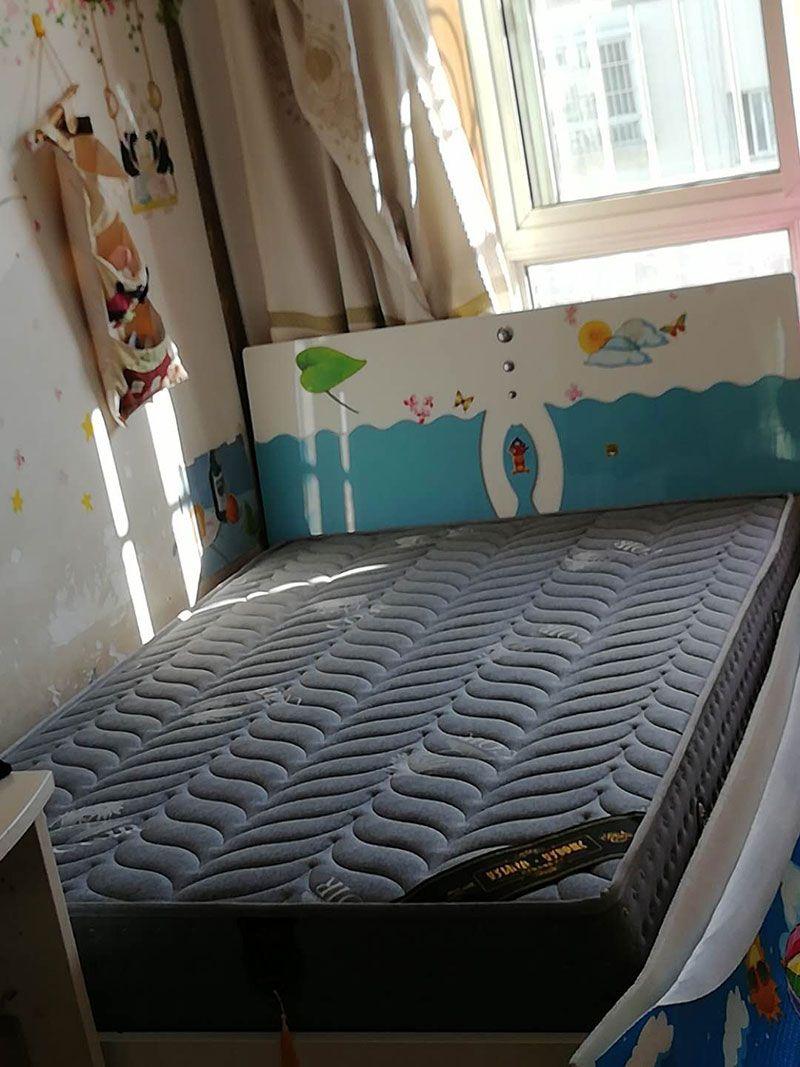 乐虎国际电子游戏梦美床垫-定做安装好的席梦思床垫实拍-1.jpg