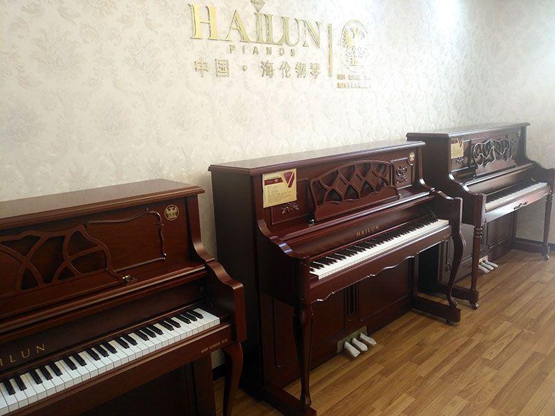 乐虎国际电子游戏天籁琴行-海伦钢琴整体实拍-2.jpg
