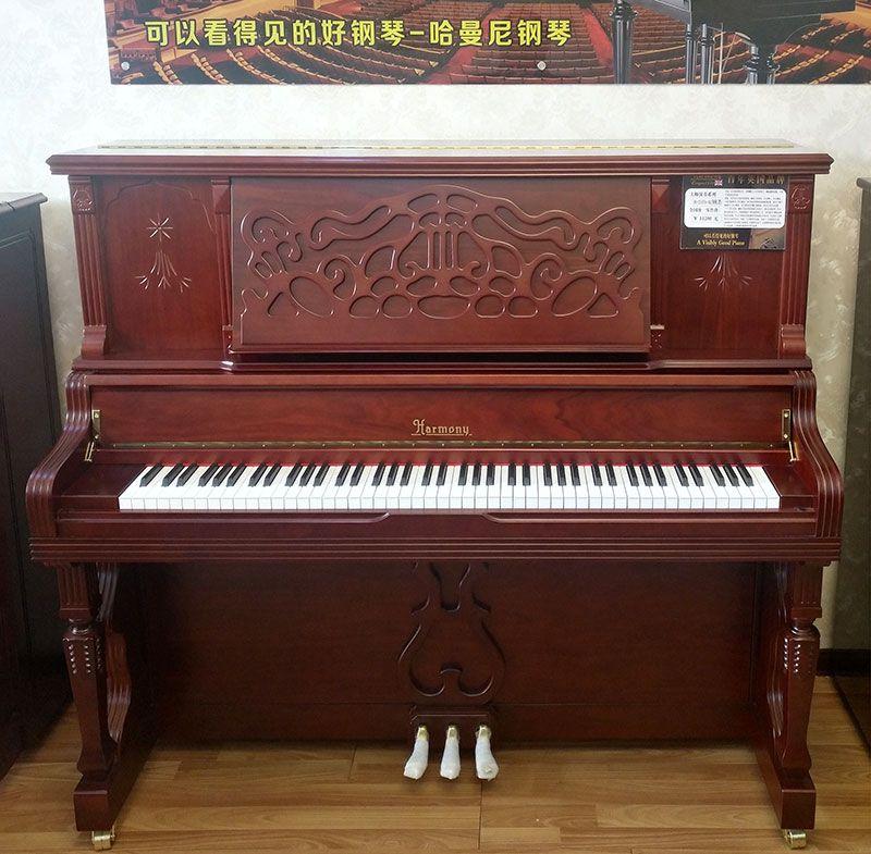 乐虎国际电子游戏天籁琴行-哈曼尼钢琴特写-1.jpg