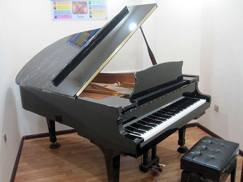 富力城店-三角钢琴教室.jpg