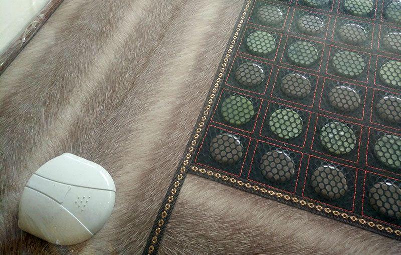 玉石硬质棉保健床垫-20到70度智能双控温-2.jpg