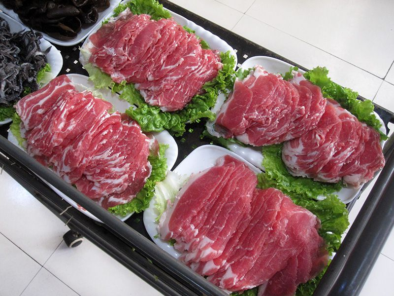 切好的羊肉片实拍-涮羊肉-上好的羊脊-乐虎国际电子游戏德全烧烤涮.jpg
