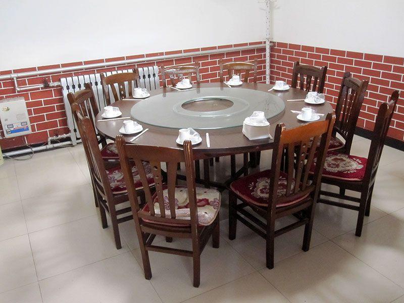 雅间餐桌-1.jpg
